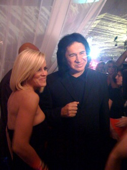 Jenny_and_gene_simmons